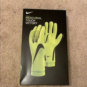 Nike Mercurial Touch Victory Goalie Gloves
